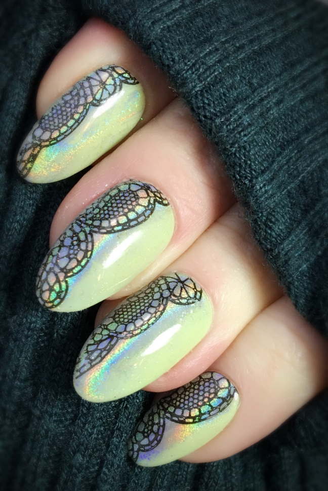Stamping nail art with cnd shellac sugarcane color and lecente rainbow chrome powder